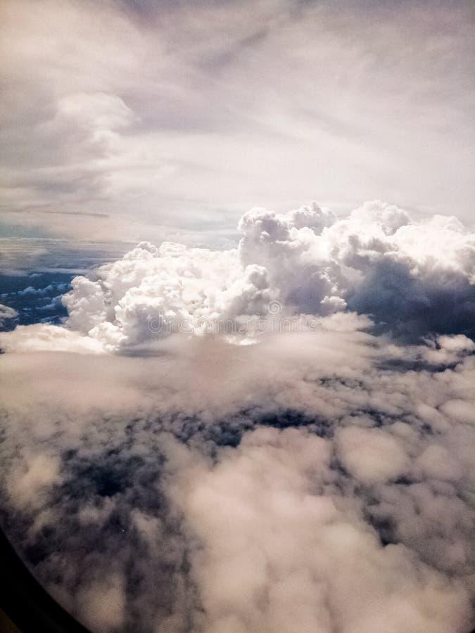 Nubes en el cielo imagenes de archivo