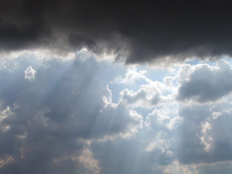 Download Nubes en el cielo imagen de archivo. Imagen de paisaje - 177111