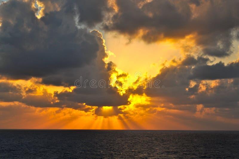 Nubes en el mar imágenes de archivo libres de regalías