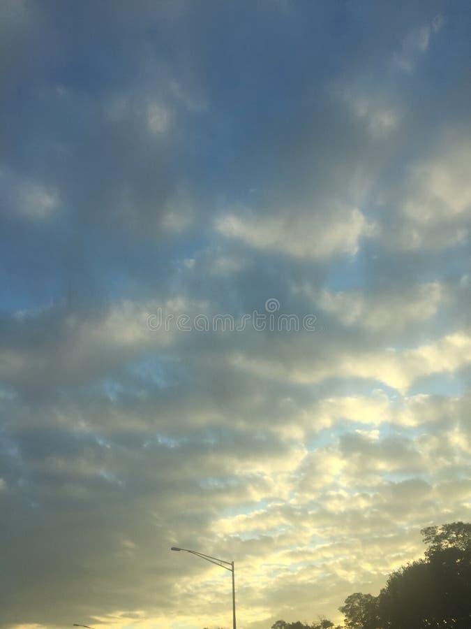 Nubes grises fotos de archivo