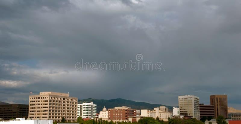 Nubes sobre horizonte de la ciudad del Boise, Idaho fotos de archivo