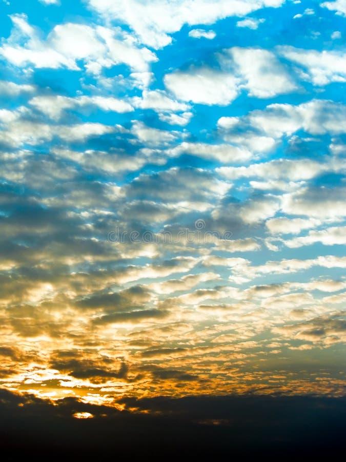 Nubes sombreadas fotografía de archivo