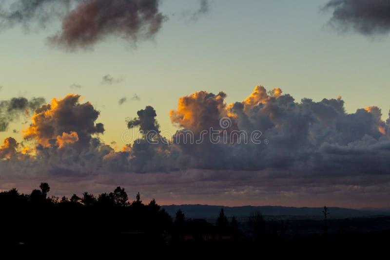 Nubes Sunlit imágenes de archivo libres de regalías