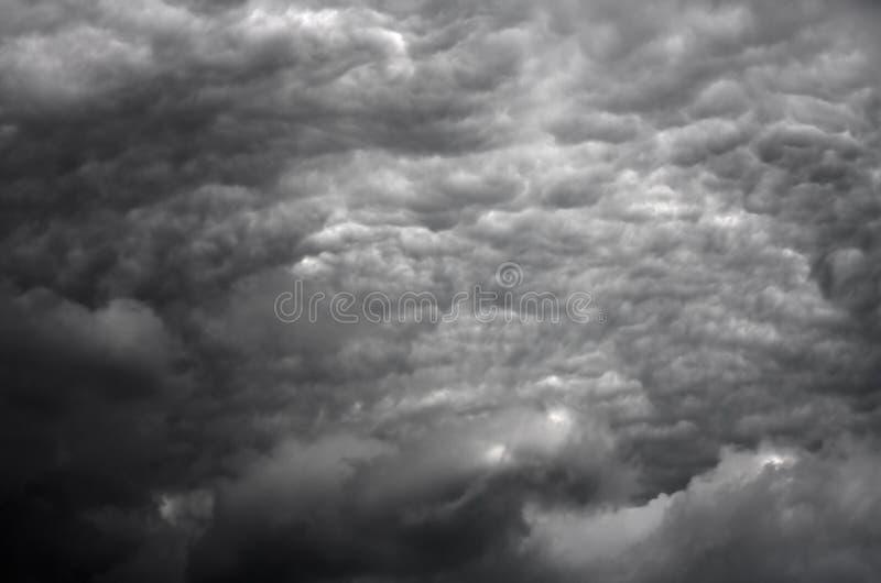 Nubes tempestuosas en HDR foto de archivo libre de regalías