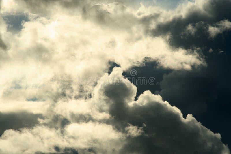 Nubes y cielo imagen de archivo libre de regalías
