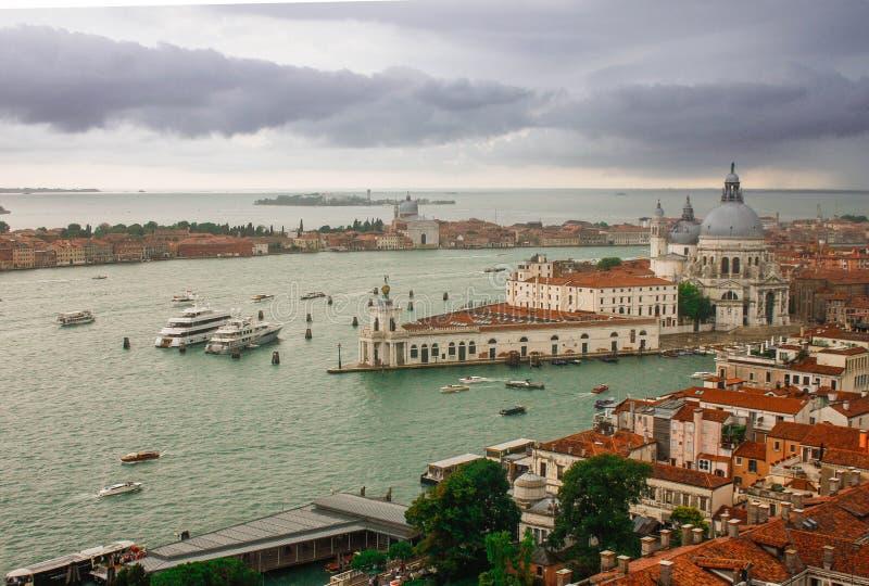 Nubes y Grand Canal en Venecia foto de archivo libre de regalías
