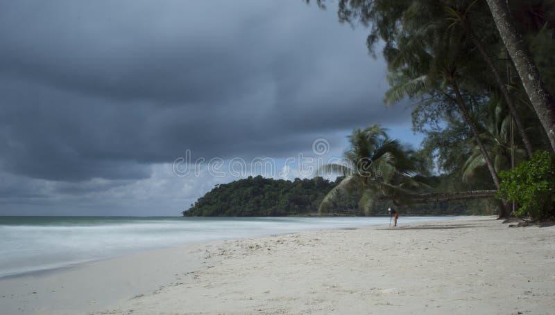 Nubes y playas imagenes de archivo