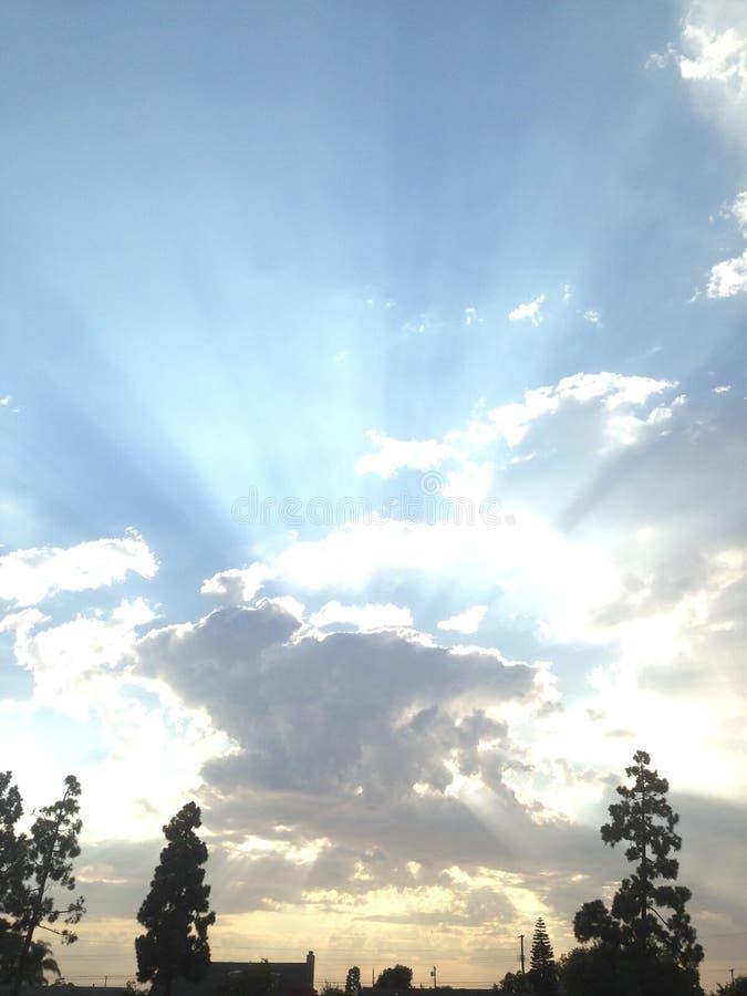 Nubi al tramonto immagine stock