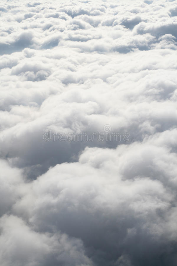 Nubi bianche gonfie molli della caramella di cotone immagini stock libere da diritti