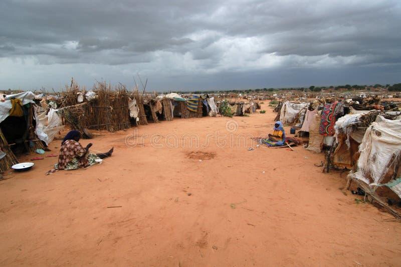 Nubi di pioggia sopra l'accampamento del Darfur immagini stock libere da diritti