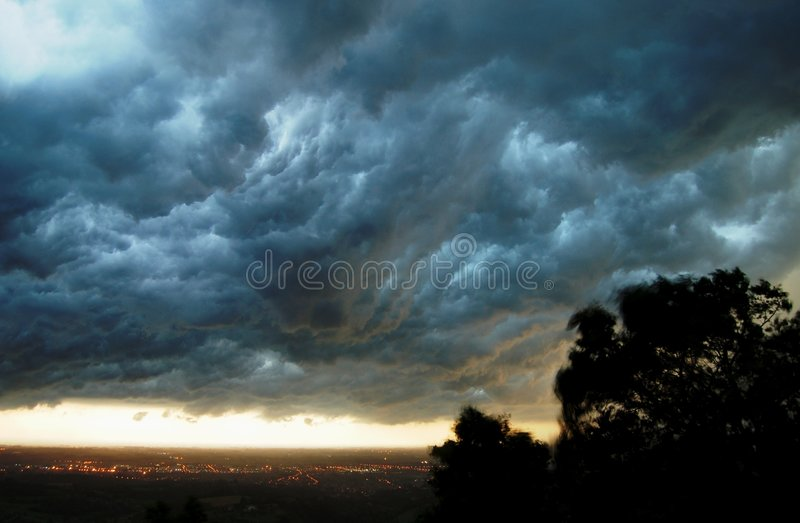 Nubi di temporale   fotografia stock libera da diritti