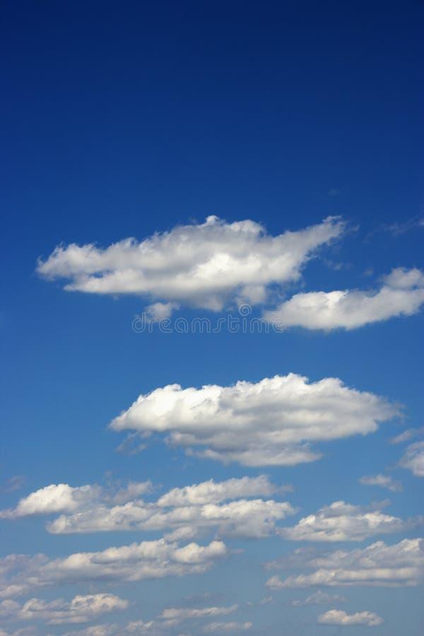 Nubi lanuginose. immagini stock libere da diritti