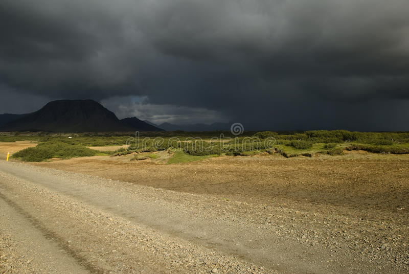 Nubi scure prima della tempesta fotografia stock libera da diritti