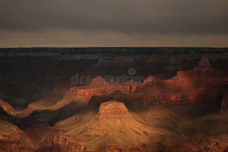 Nubi scure sopra il grande canyon immagini stock libere da diritti