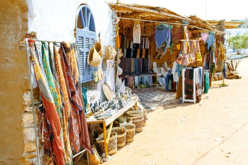 Nubijczyka rynek Pamiątki w Nubijskiej wiosce w Egipt obraz royalty free