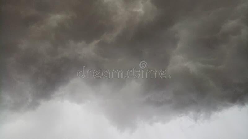 Nubla-se tempestades foto de stock