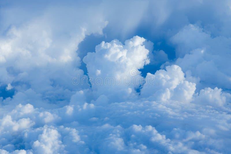 Nublado sobre el cielo imágenes de archivo libres de regalías