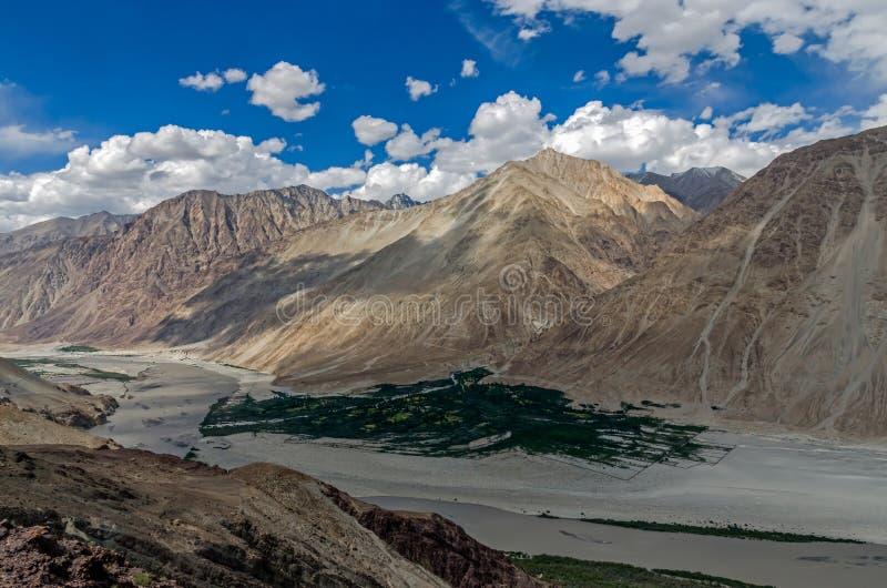 Nubra dolina nieodkryty królestwo; l10a:dziedzina natura fotografia stock