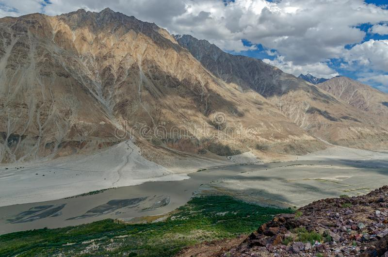 Nubra dolina nieodkryty królestwo; l10a:dziedzina natura zdjęcie royalty free