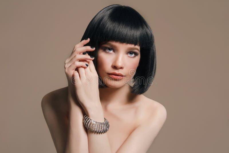 nude-woman-with-jewelry-macinnis-nude