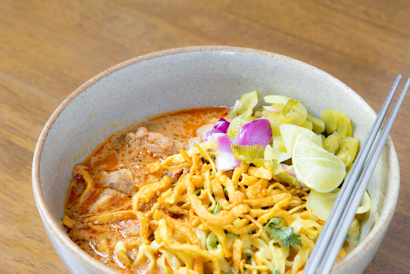 Nudel Khao soi, siamesische Nahrung lizenzfreie stockfotos
