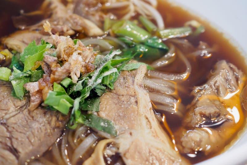Nudeln mit Rindfleisch Stew Soup stockbilder