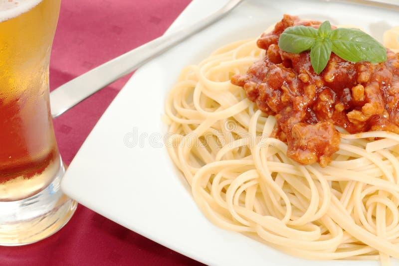Download Nudeln mit Tomate stockbild. Bild von mittelmeer, isolationsschlauch - 26354705