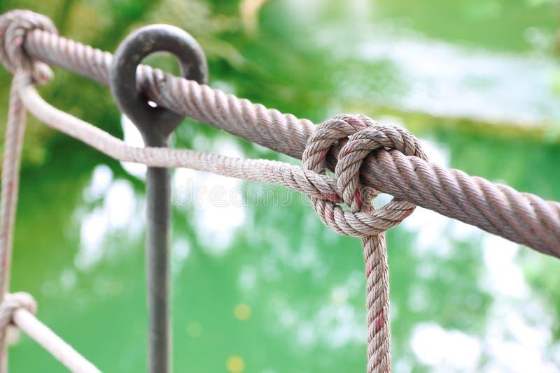 Nudo de la cuerda de la barandilla foto de archivo libre de regalías