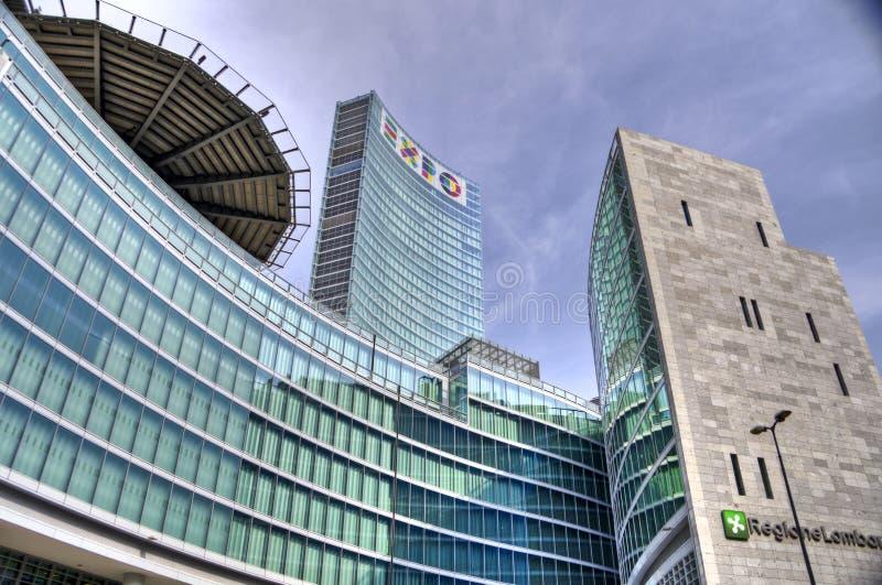 Nueva área de los rascacielos de Milano - Regione Lombardia imagenes de archivo