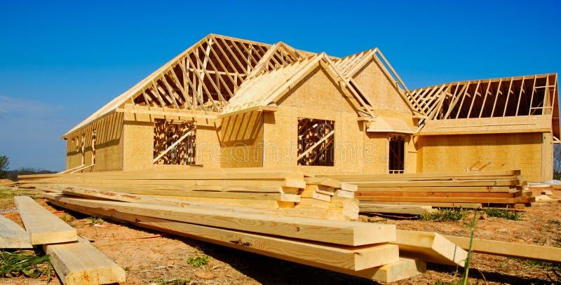 Nueva casa bajo construcción imagen de archivo libre de regalías