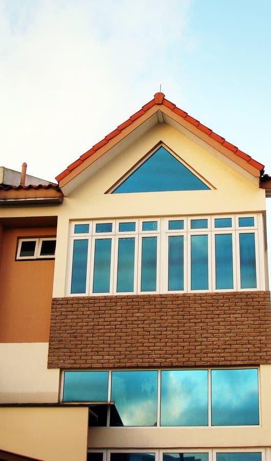 Nueva casa semi separada foto de archivo libre de regalías