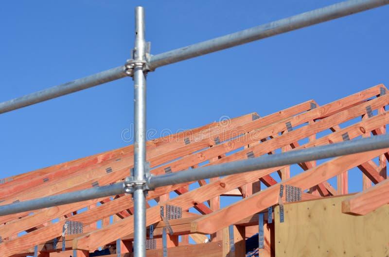 Nueva construcción casera del tejado foto de archivo