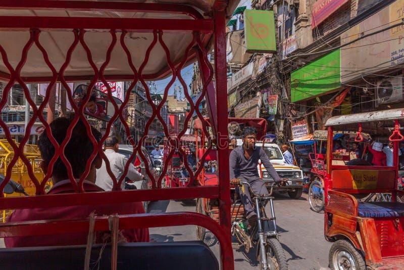 NUEVA DELI, LA INDIA - 13 DE MARZO DE 2018: vista del mercado de Chandni Chowk foto de archivo libre de regalías