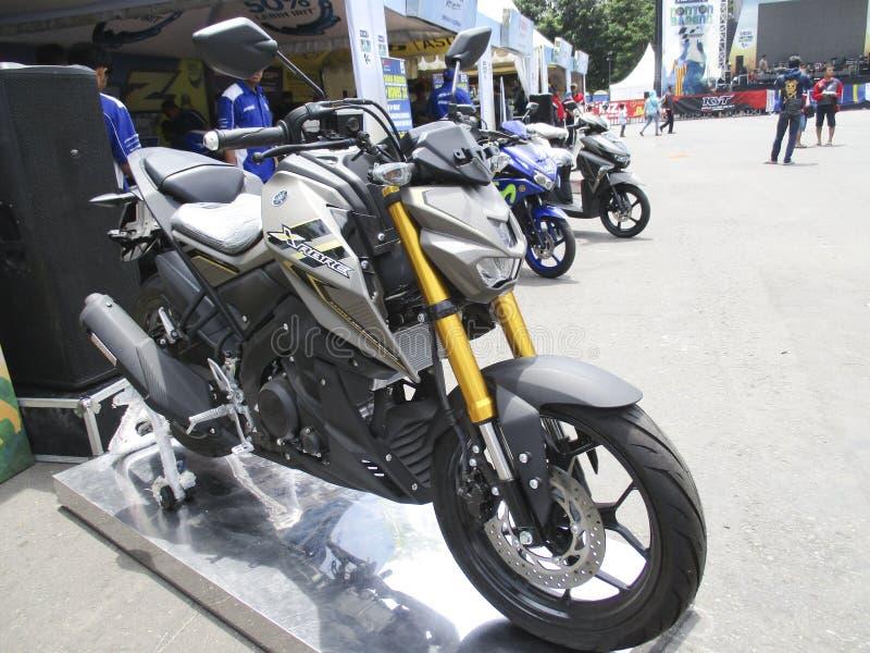 Nueva motocicleta imagenes de archivo