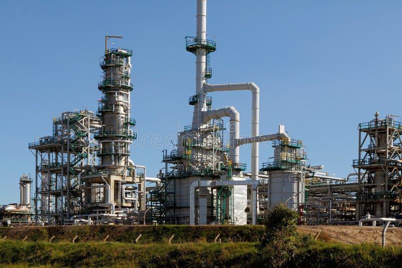 Nueva refinería de petróleo fotos de archivo libres de regalías