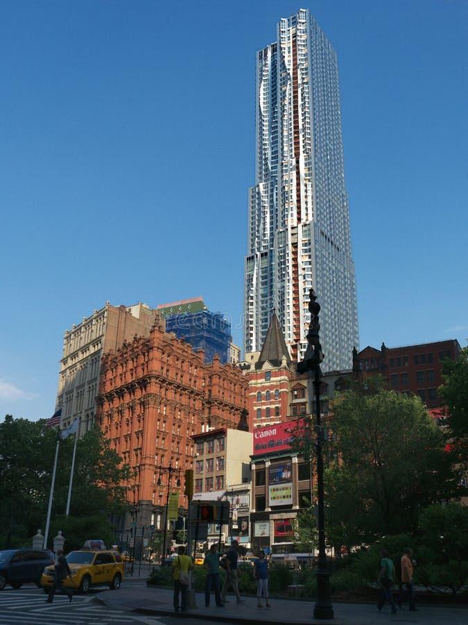 Nueva torre de Frank Gehry en St Nueva York de 8 Spurce fotos de archivo