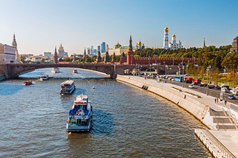 Nueva vista ingenio del terraplén de Moscú el Kremlin y de Moskvoretskaya fotografía de archivo libre de regalías