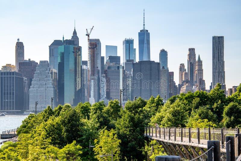 Nueva York, ciudad/los E.E.U.U. - 10 de julio de 2018: Dayl del horizonte del Lower Manhattan foto de archivo