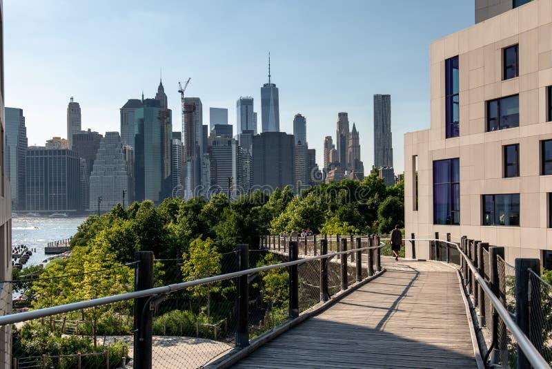 Nueva York, ciudad/los E.E.U.U. - 10 de julio de 2018: Dayl del horizonte del Lower Manhattan fotos de archivo