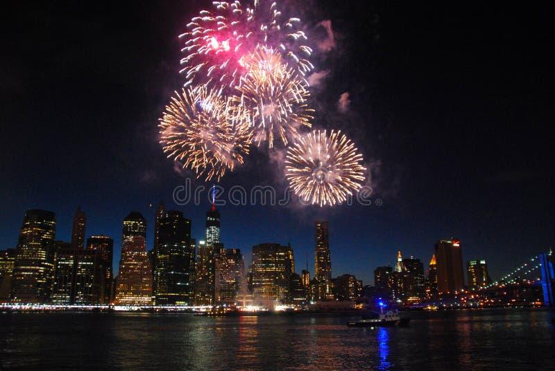 Nueva York fuegos artificiales del 4 de julio imagenes de archivo
