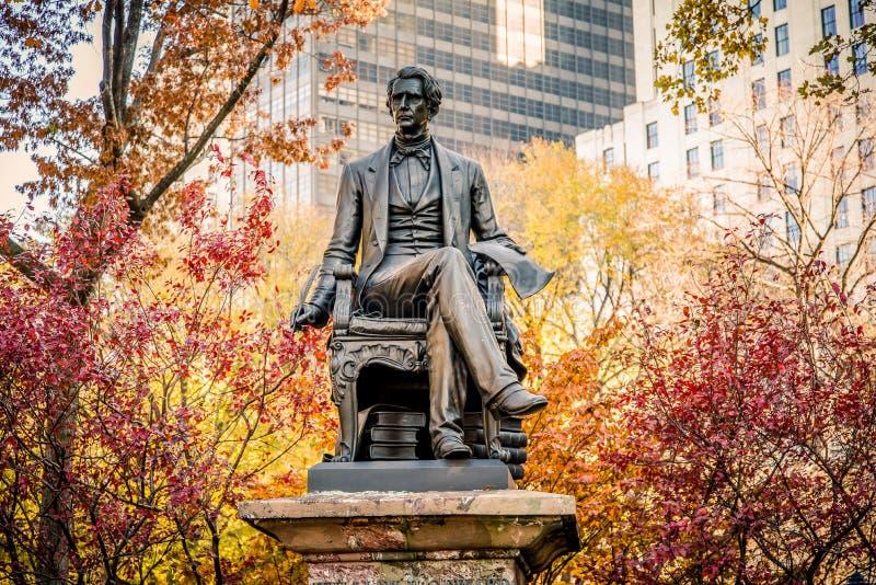 Nueva York, los E.E.U.U. - 2012, el 22 de diciembre: Guillermo H Seward en Madison Square Park Él sirvió como el 12mo gobernador  foto de archivo