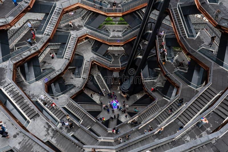 Nueva York, los E.E.U.U. - 21 de junio de 2019: Buque que consiste en 155 tramos de escalones en Hudson Yards de Manhattan durant foto de archivo