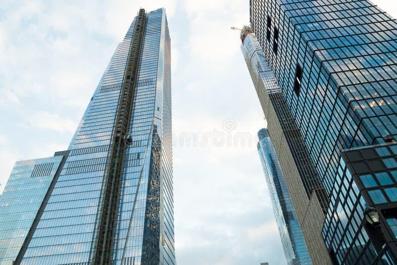 Nueva York, NY - 18 de enero de 2018: Rascacielos en el centro de la ciudad de New York City imagen de archivo