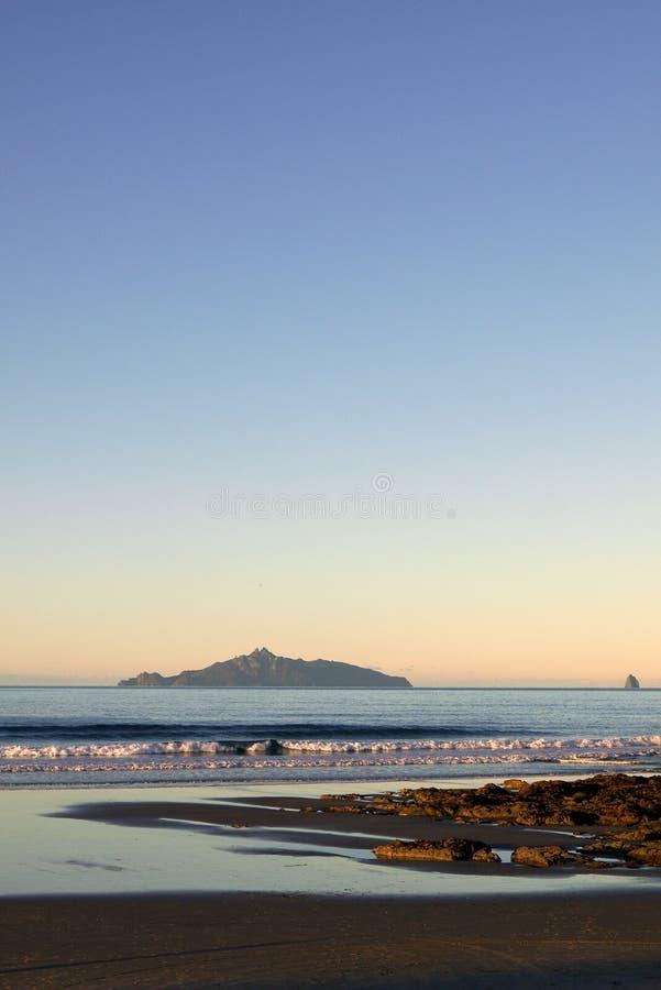 Nueva Zelanda: tarde tranquila en la playa foto de archivo libre de regalías
