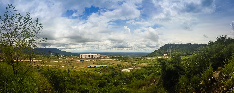 Nuevamente edificio del casino en Chong Arn Ma, paso de frontera de Tailandés-Camboya (llamado un paso de frontera de Ses en Camb fotos de archivo libres de regalías