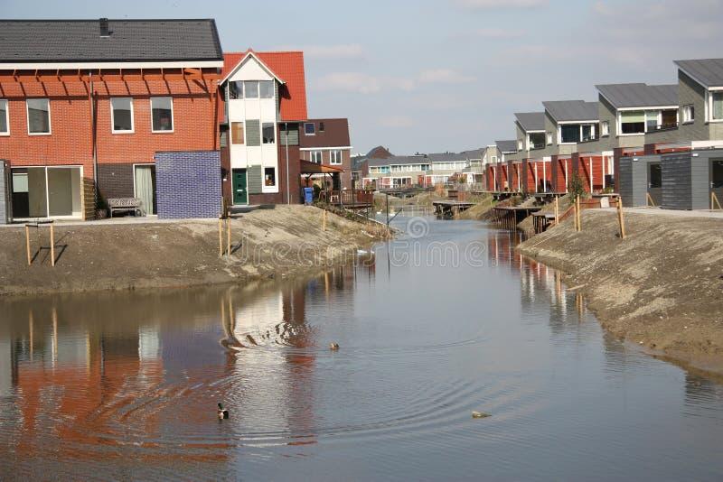 Nuevas casas modernas en Zoetermeer Países Bajos fotos de archivo