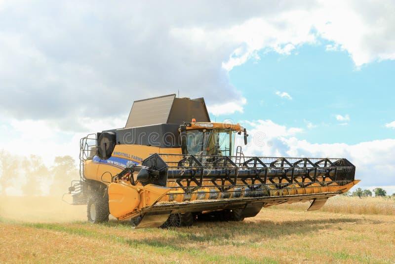 Nuevas cosechas modernas del corte de la máquina segadora de Holanda foto de archivo libre de regalías