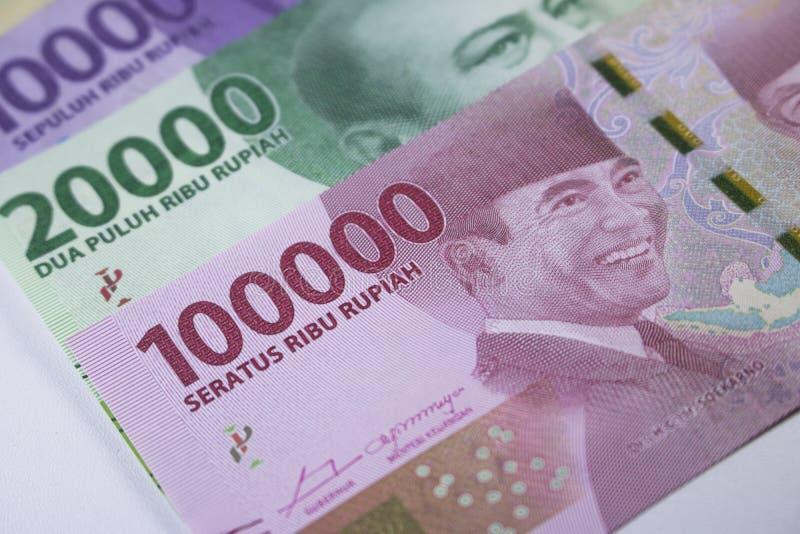 nuevas finanzas del efectivo de la moneda de Indonesia del dinero del rupia fotos de archivo