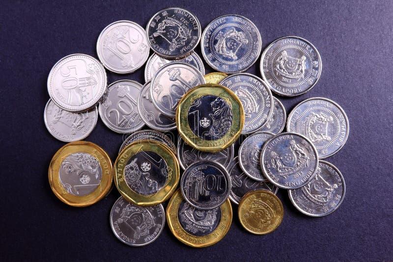Nuevas monedas de Singapur foto de archivo
