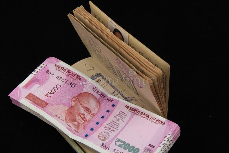 Nuevas notas indias de la moneda fotos de archivo